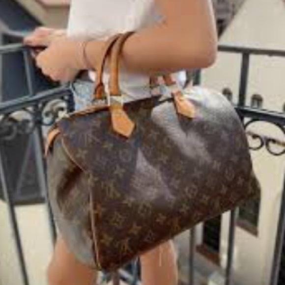Louis Vuitton Handbags - Authentic Louis Vuitton Speedy 30 Monogram